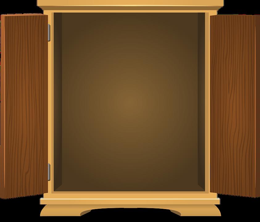Dřevěná skříň