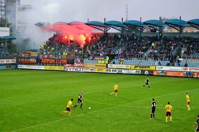 pyrotechnika na tribuně