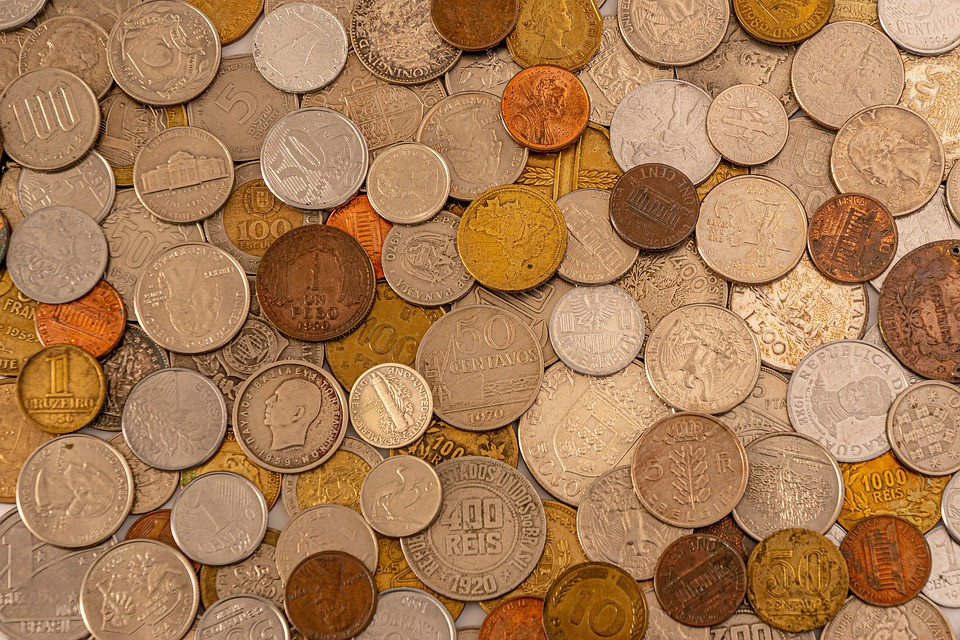 různé mince